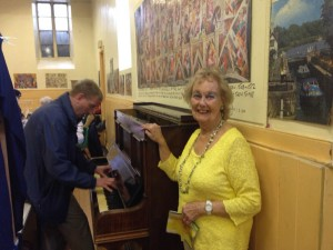 Clitheroe Country Market customer tickles the ivories